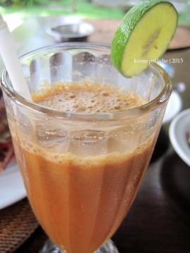 Juice Apel, Jeruk, Nanas, Gula Merah