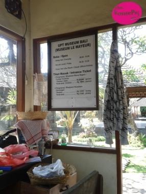 Biaya dan Jam Museum
